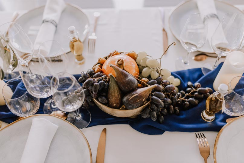 chemin table mariage thème Grèce